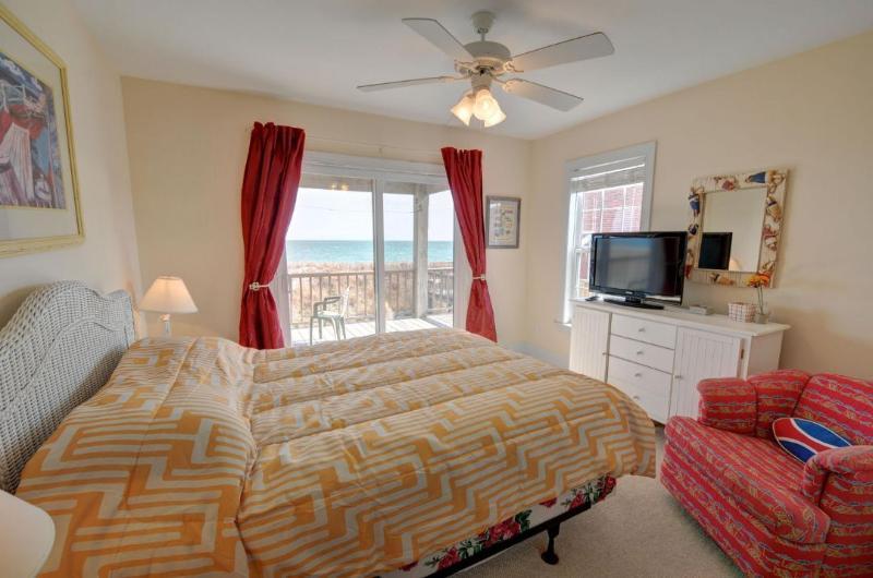 Regina Bedroom(1st Floor)