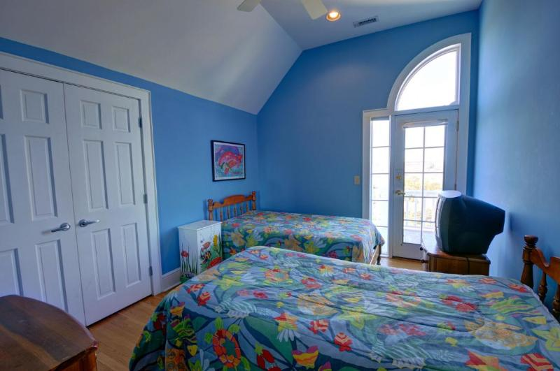 Top Floor Twin Bedroom