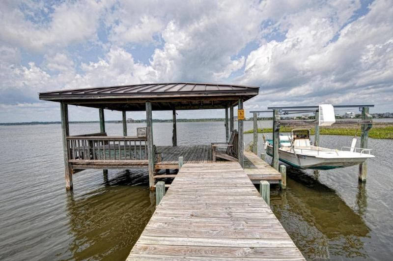 Private Dock (Boat not included)