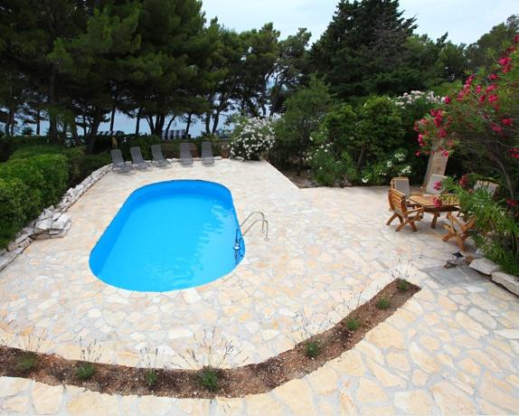 GOLDEN CAPE, BRAC, BEACH FRONT HOLIDAY VILLA