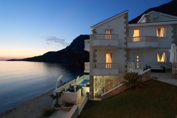 villa al mare con piscina, riviera di Makarska