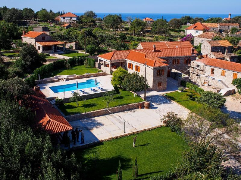 Villa with pool for rent in Konavle, Dubrovnik area