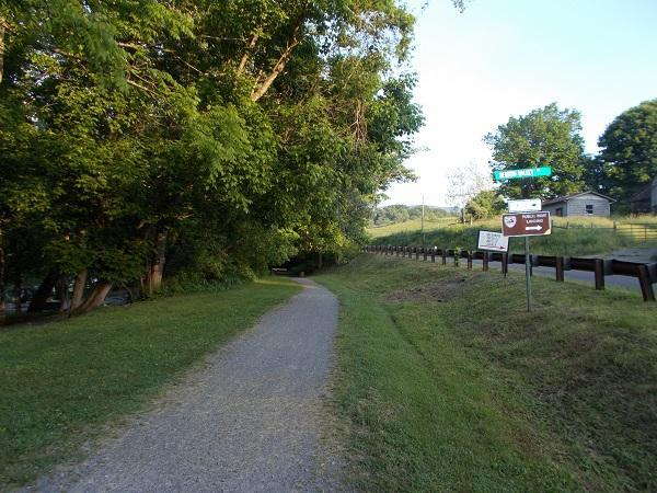 Creeper Trail--2 miles from the vacation house with lots of free parking.