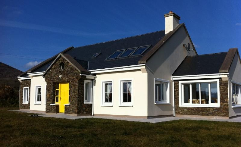 Big & Beautiful. A Gem of an Irish Cottage with plenty of space & easy walking distance to town