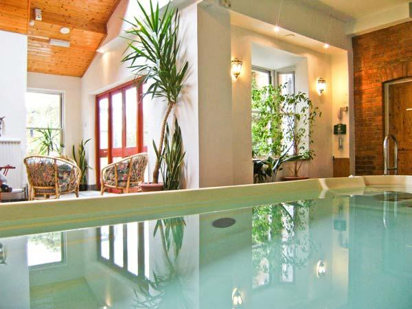 The byre pet friendly cottage indoor swimming pool - Pet friendly cottages with swimming pool ...