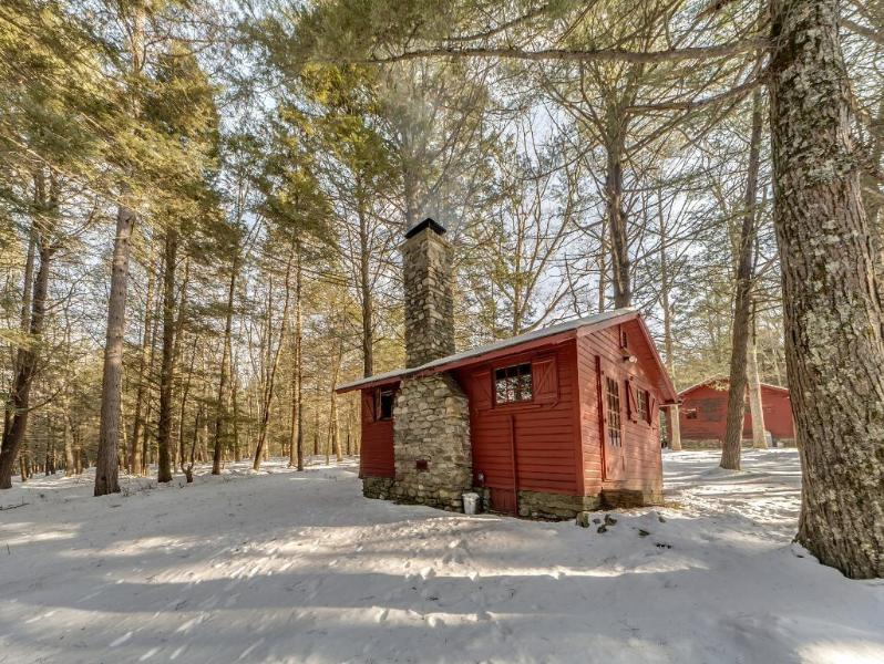 Knotty Pine Charming Cabin On 575 Acre Preserve Updated