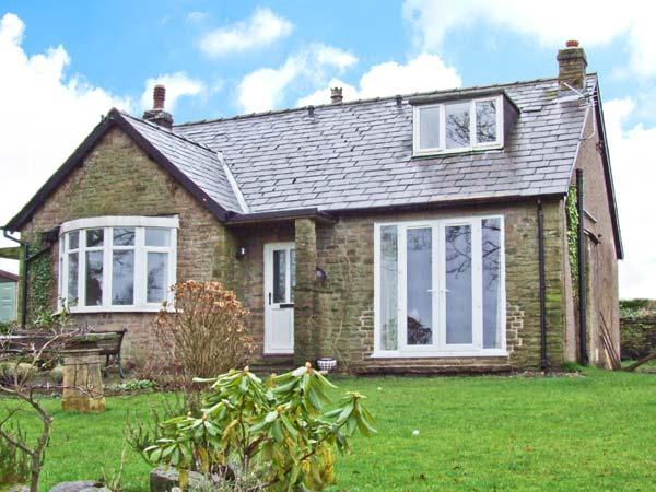 Detached Dormer Bungalow For 9: KITTY'S, Detached Dormer Bungalow, Woodburner, Roll-top