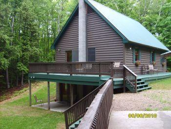 Maple Ridge Chalet, 3 bd, wooded, Pic Rocks Close!, holiday rental in Cooks