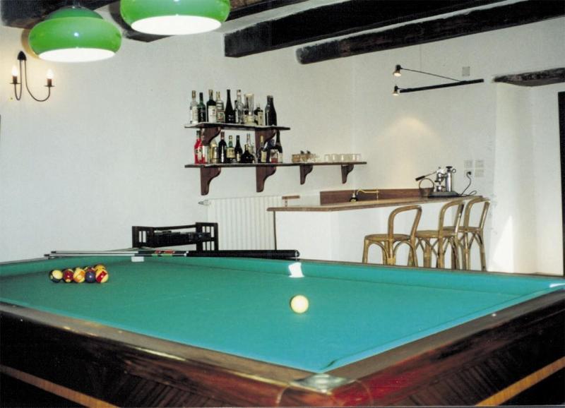 Bar e piscina quarto