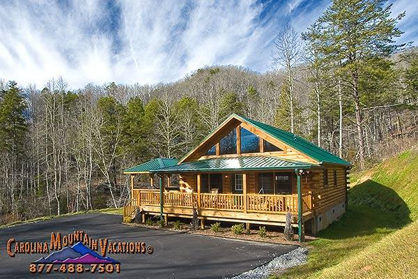 The paved roads and large parking area make this an excellent motor cycle friendly cabin.