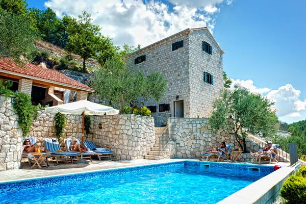 Stone villa with a pool for rent, Klek, Dubrovnik county
