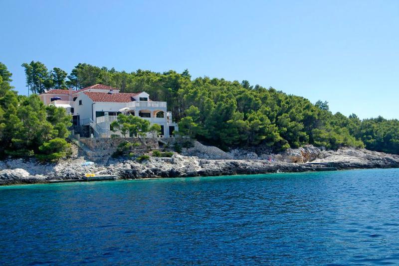 Seafront villa for rent, Korcula island