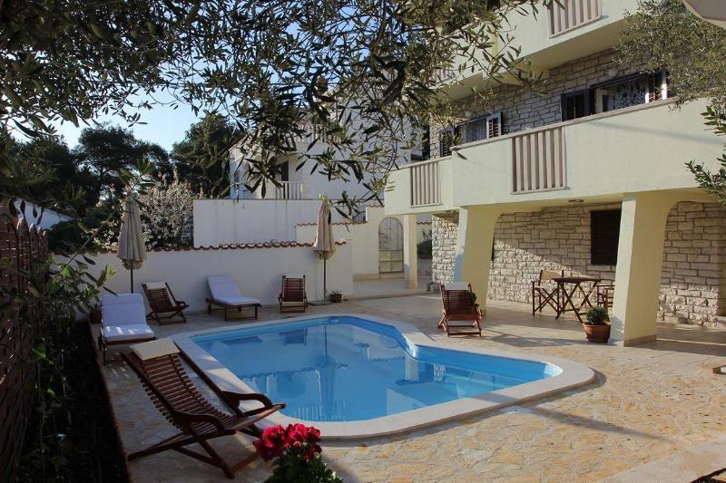 Holiday villa with a pool, Supetar, Brac island