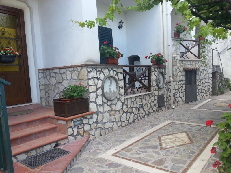 Antico Borgo del Pozzo: Casa 'La Corte', vacation rental in Pucara