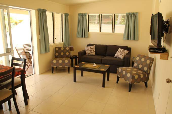 Living area Coral Sands 1 bedroom apartment