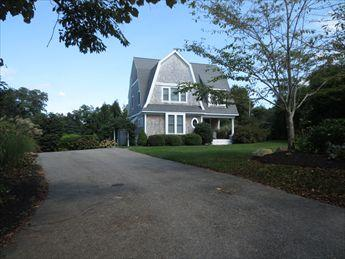 Sippewissett Gambrel ! 114854, holiday rental in Woods Hole