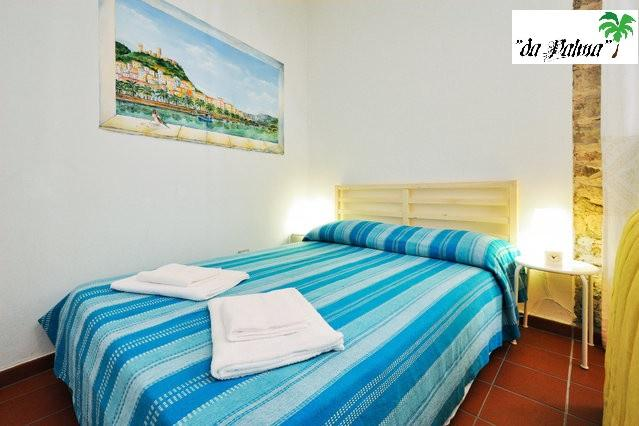 Lovable, in downtown Bosa for 4 Guests, alquiler vacacional en Bosa