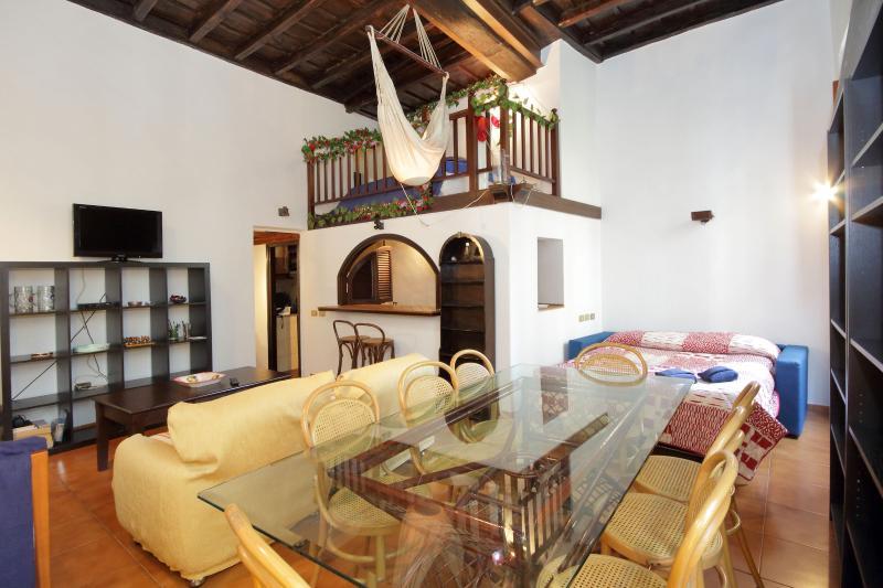living room, dining corner