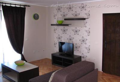 Budva apartment !, holiday rental in Lapcici