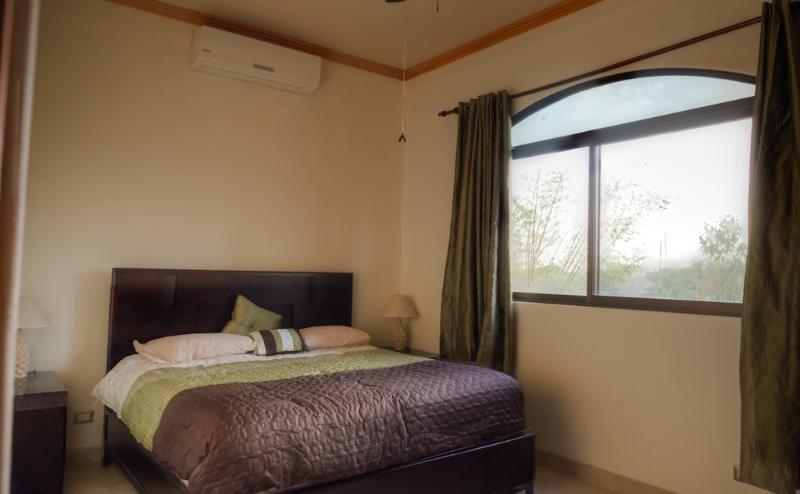 Condo #4 guest bedroom