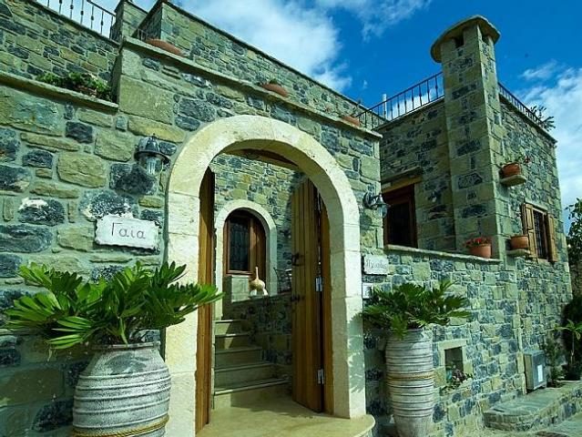 Diktynna Traditional Villas-Gaia, holiday rental in Tertsa