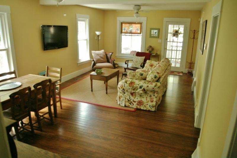 Grande chambre avec écran plat HDTV & accès Internet