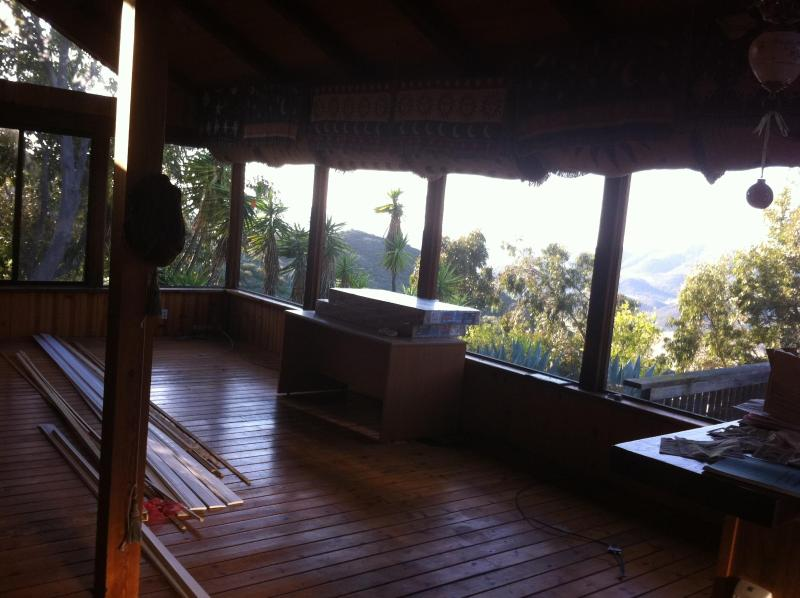 Malibu Getaway Cabin style house, location de vacances à Newbury Park
