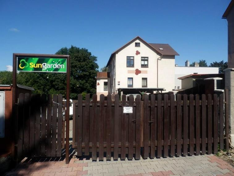 Apartma SunGarden Liberec, holiday rental in Mnisek