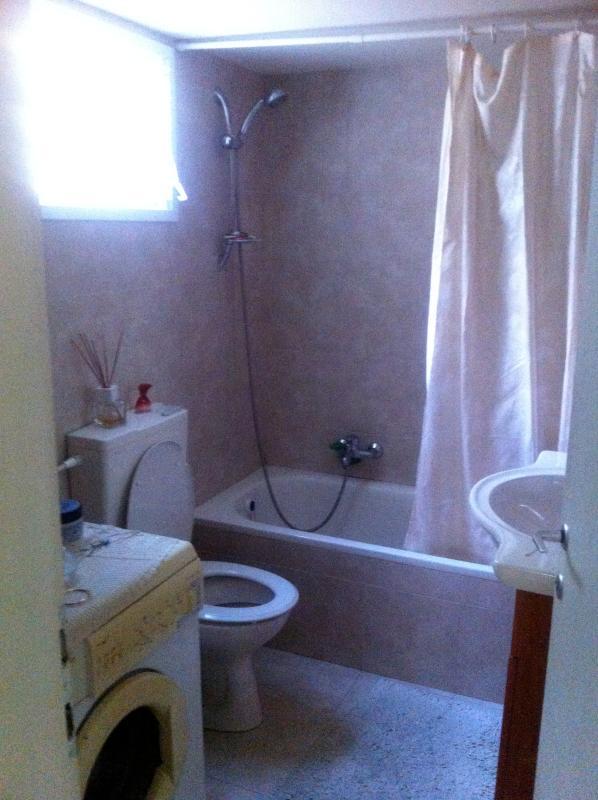 cuarto de baño y lavadora