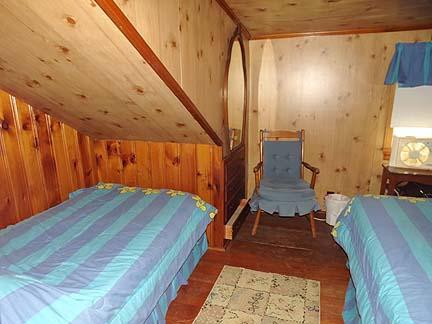 2ème étage chambre avec 2 lits jumeaux