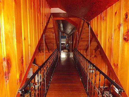 Passerelle pour 2e étage chambres