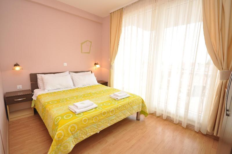 Villa Cezar Double Room, casa vacanza a Kastel Luksic