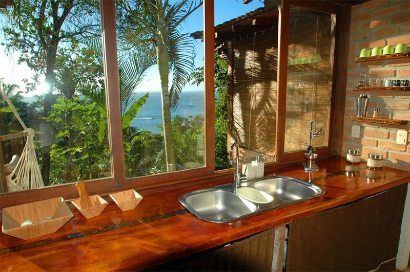 Charming Ocean View House, location de vacances à Jaguaripe