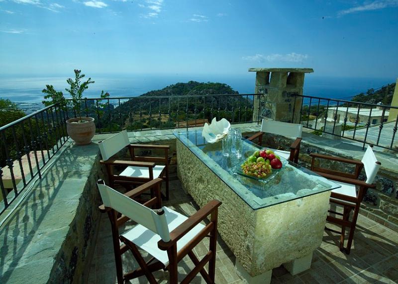 Diktynna Traditional Villas-Pleiades, holiday rental in Tertsa