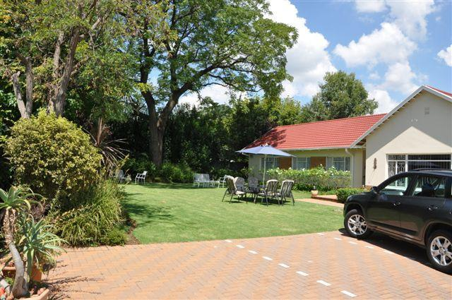 Parkmore Lodge Bed and Breakfast, holiday rental in Johannesburg