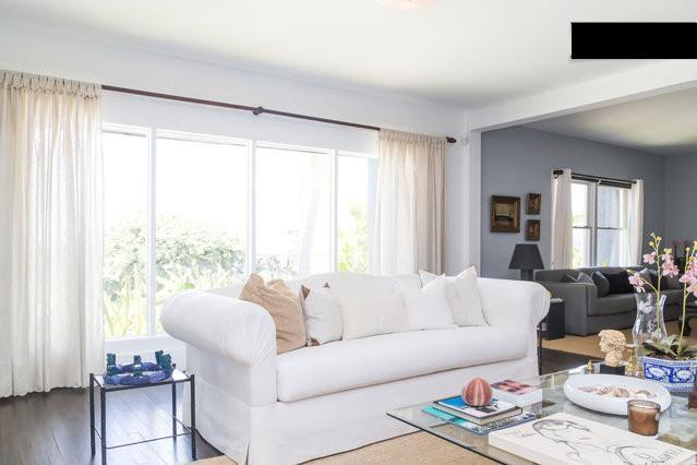 Living room, enjoy the majestic view in the airco