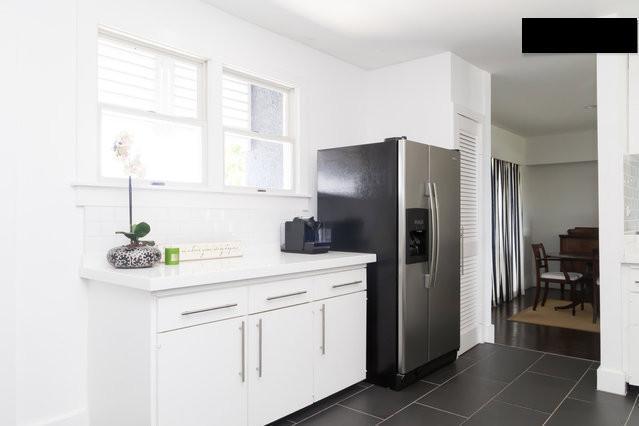 Full equipped Kitchen, Toaster, Blender, Nespresso Coffee machine