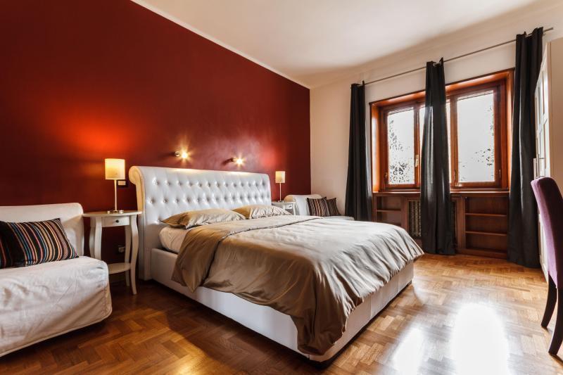 B&B L'angolo Cortese - Room with internal bathroom, holiday rental in Castel di Leva