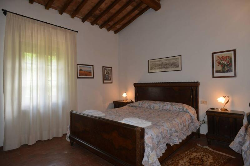 CYPRESS, vacation rental in Castellina Scalo