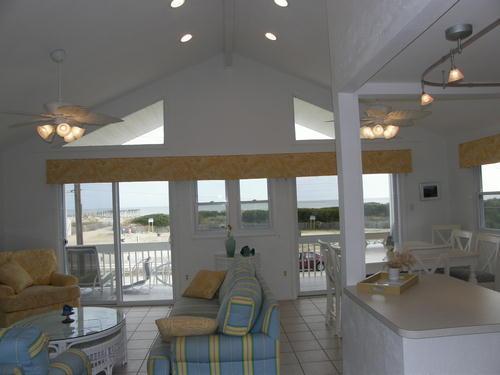 Frente al mar paraíso con techos altos, de planta abierta, amplia terraza y playa justo en frente