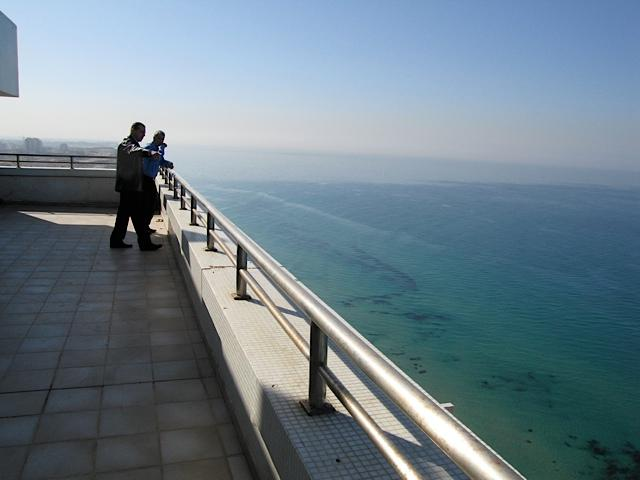 Big dreamy penthouse right above the water, holiday rental in Netanya