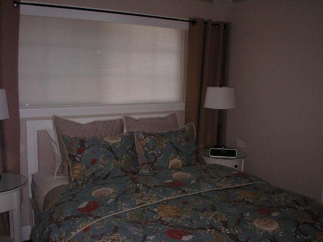 Cama del tamaño capitán con ropa de cama 600count de reina