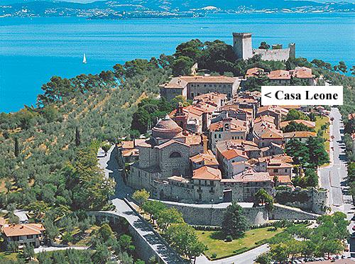 Casa Leone Italy is within the walled old town of Castiglione del Lago.