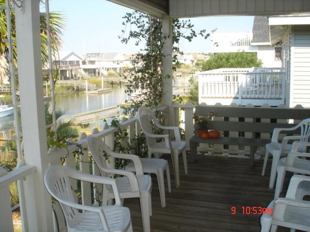 Porche côté canal