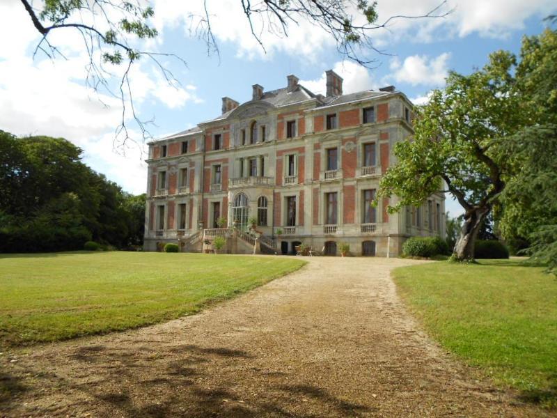 Palais italien dominant la vallée de la Loire, vacation rental in Saint-Florent-le-Vieil