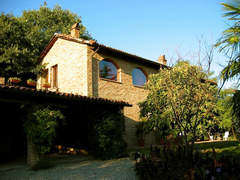 La Rocca Vineyards B & B, holiday rental in Province of Alessandria