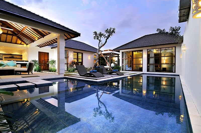 SEMINYAK, Great Value, 5 Bdr, Near Beach, New, holiday rental in Legian