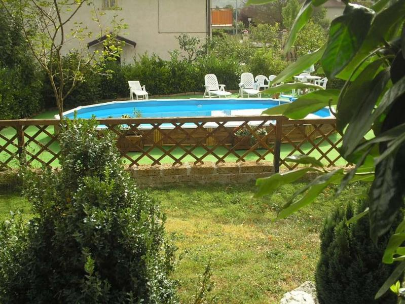 Villa arcobaleno  20 eu pp minimum 4 pax, vacation rental in Coppito