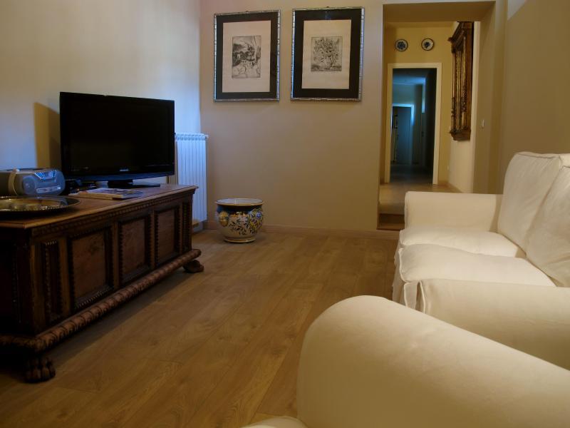 B&B TUTTIDAMARI ROOM  SOCRATE, vacation rental in Verona