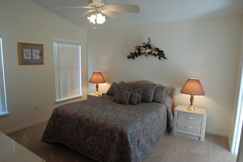 1st Master Bedroom Queen Size Bed